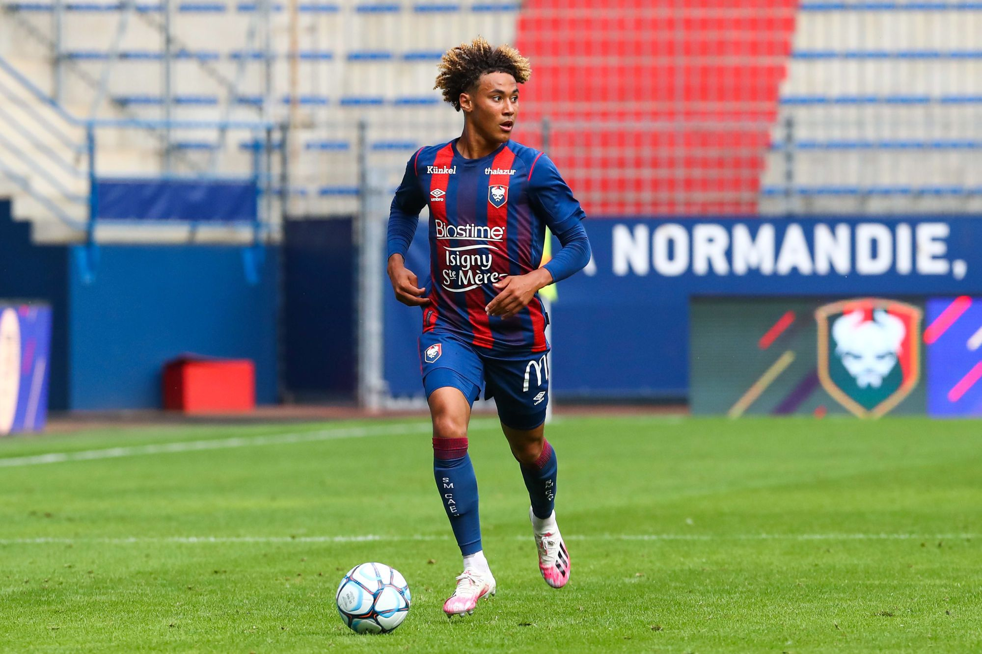 Un mois d'absence pour Alexis Beka Beka après sa blessure à Clermont
