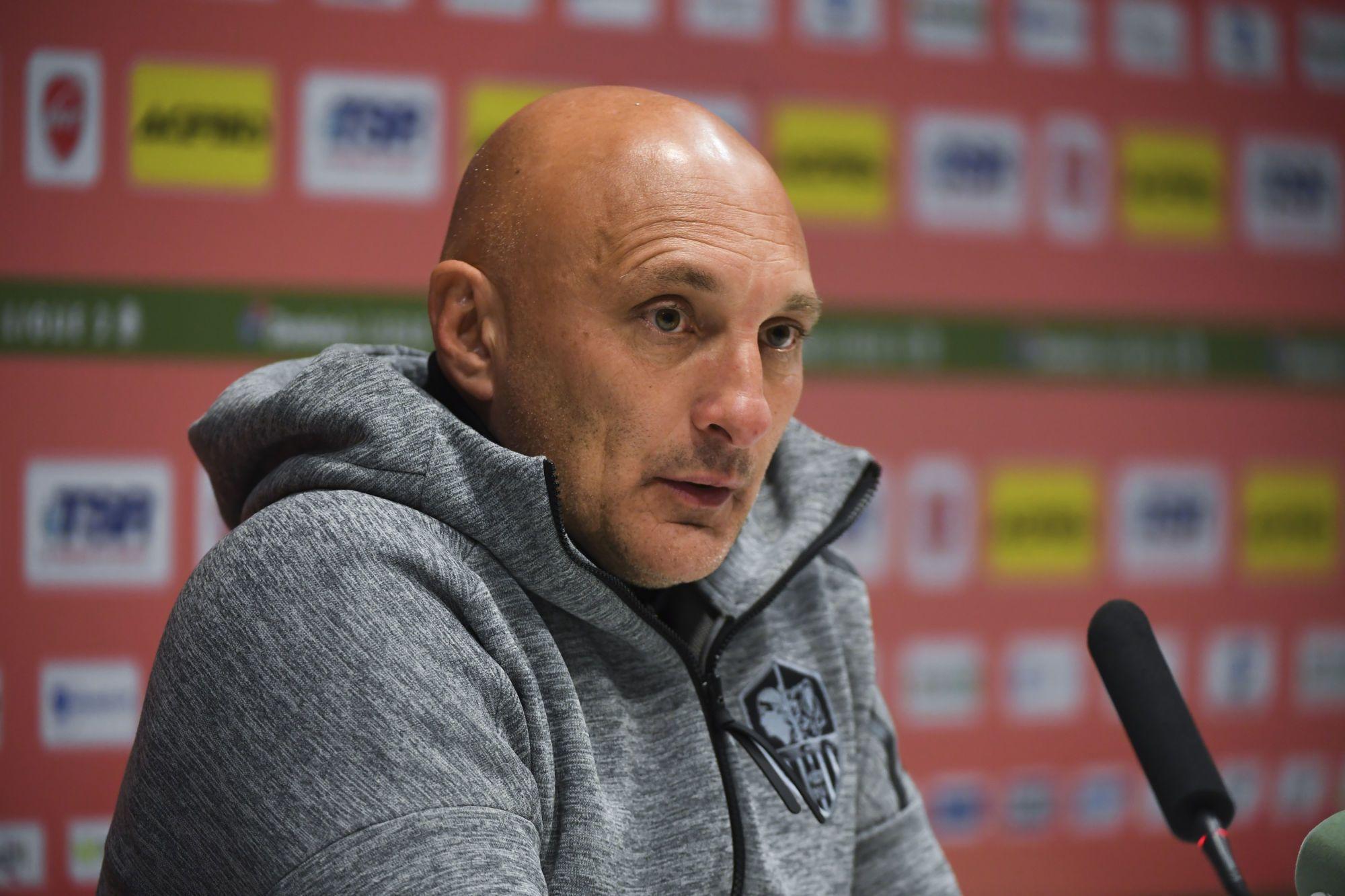 Olivier Pantaloni : « Il ne faut pas s'affoler, ne pas avoir peur de jouer à Caen »