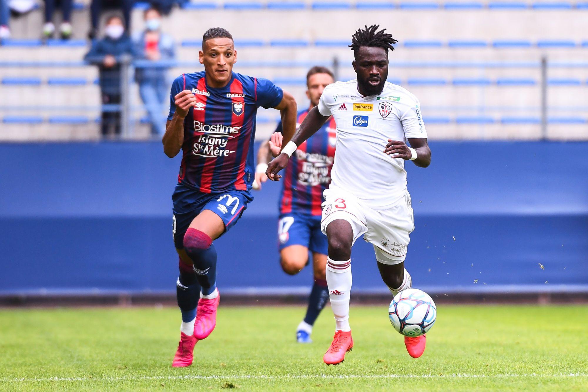 """Yacine Bammou : """"J'ai deux ans de contrat, je me sens bien et je suis focalisé sur mon club"""""""