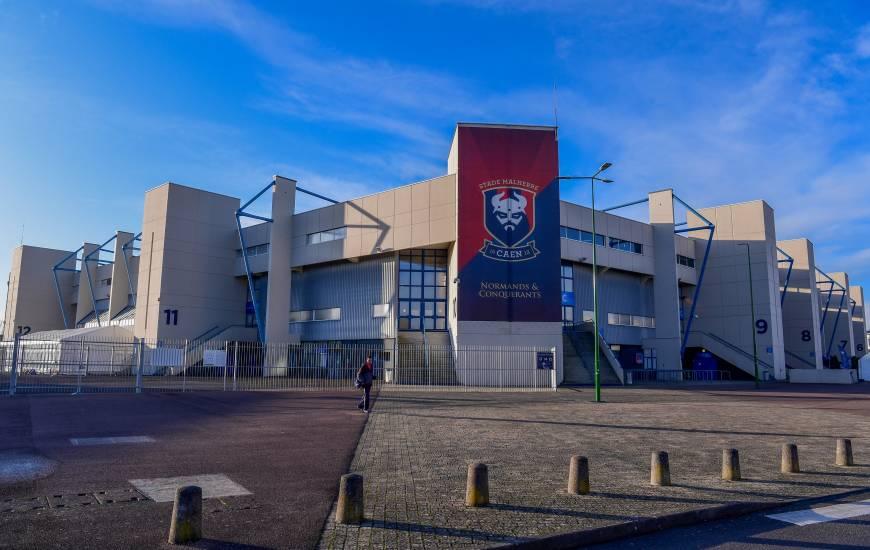 Caen – Amiens devant 5 000 supporters, le coup d'envoi décalé à 15h30 !