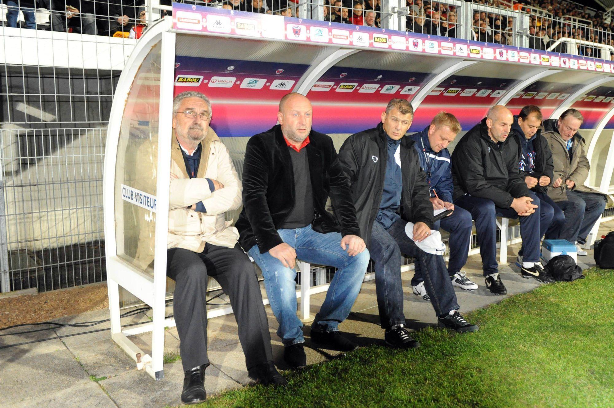 Où était Malherbe après 10 matchs lors de ses dernières saisons en Ligue 2 ?