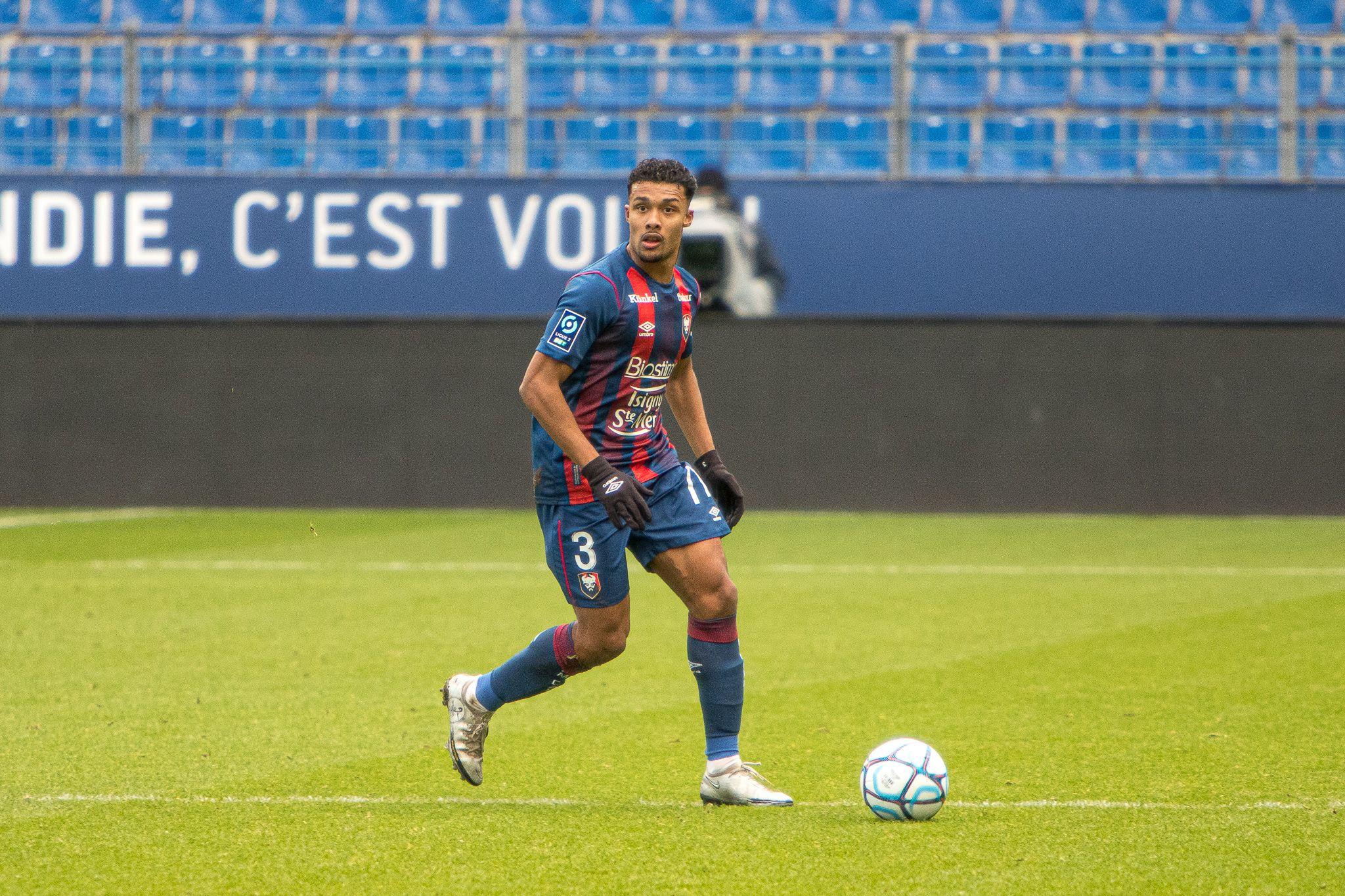 Auxerre – Caen : Aliou Traoré titulaire, Armougom sur le banc