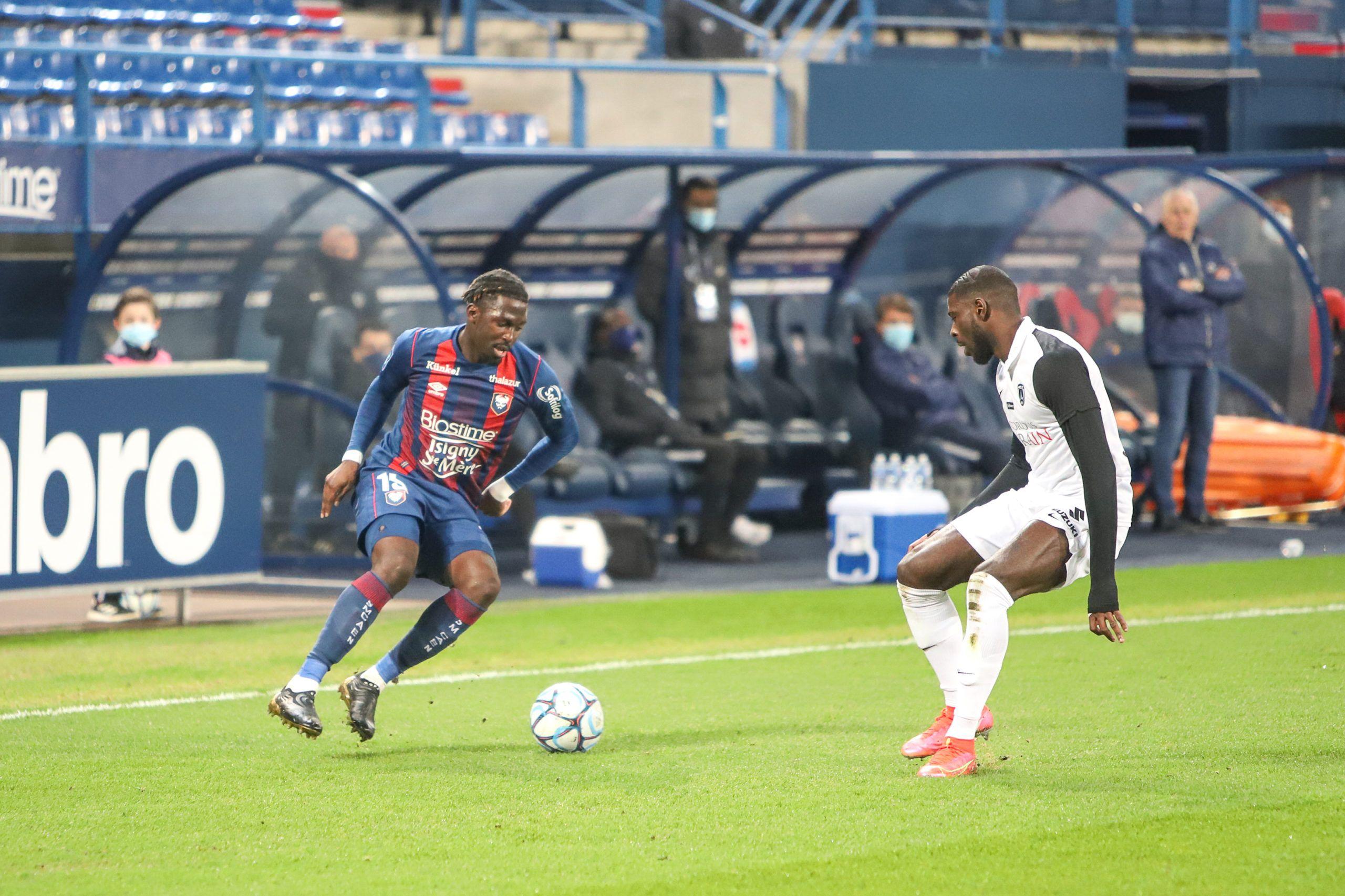 Que s'est-il passé dans les vestiaires à la fin du match entre Caen et le Paris FC ?