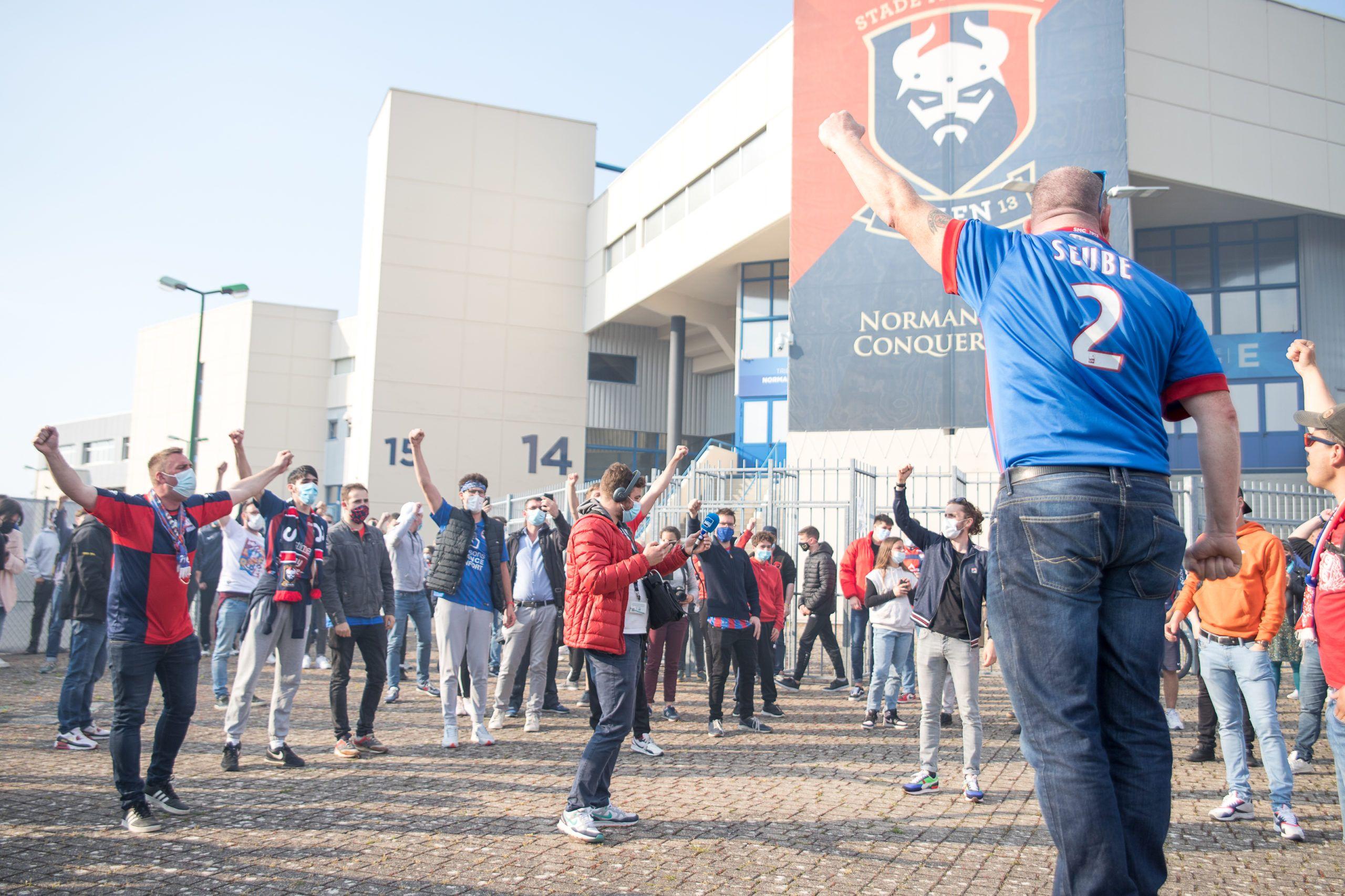 Le MNK appelle à un nouveau rassemblement, les joueurs en stage à Deauville
