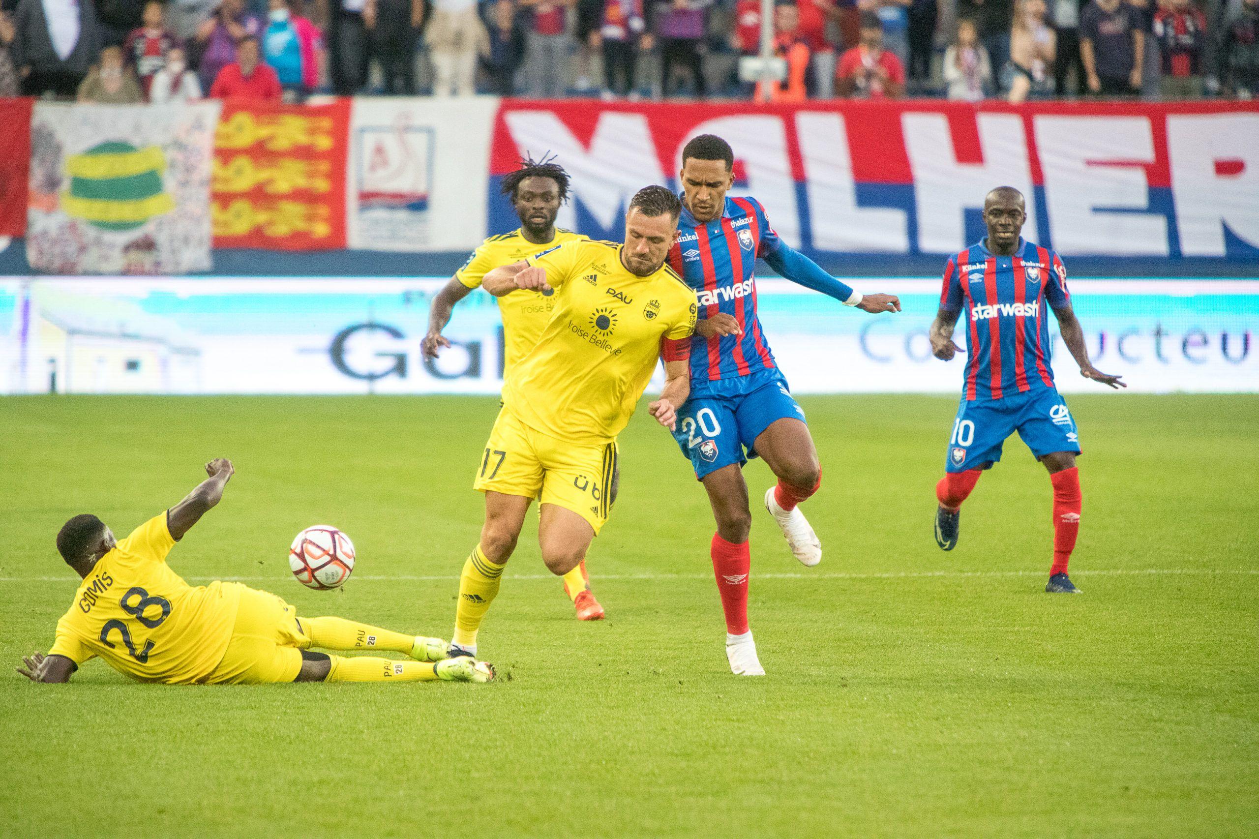 En manque de réalisme, le Stade Malherbe s'incline face à Pau (1-2)