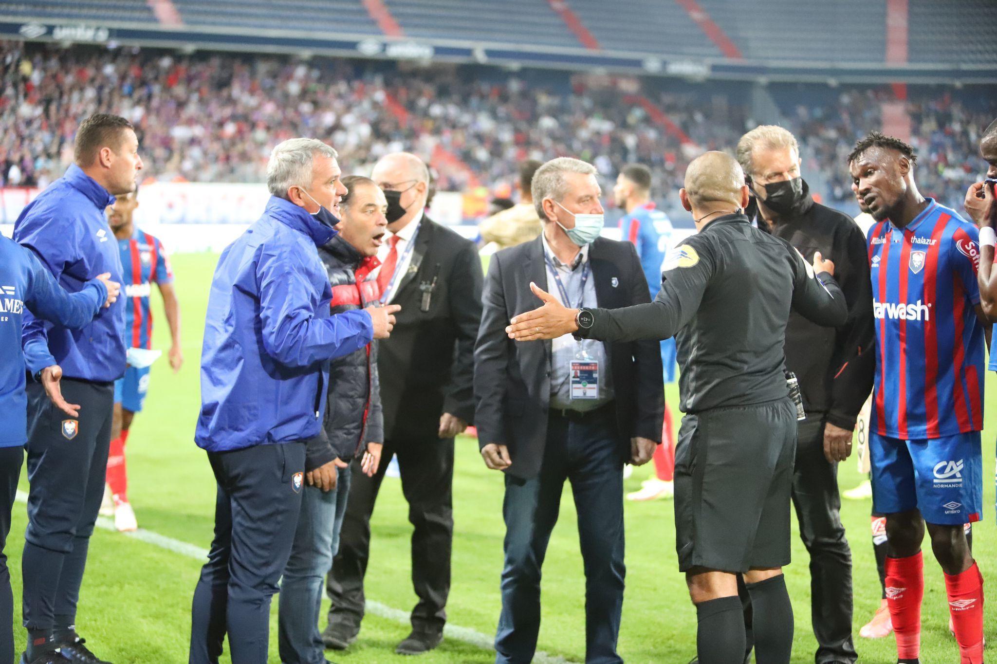 Victime d'un arbitrage indigne, Caen s'incline face à Dijon (0-1)