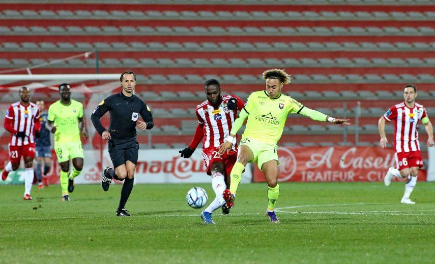Bevic MOUSSITI-OKO (ACA) vs Alexis BEKA BEKA (SMC) FOOTBALL : AC Ajaccio vs Caen - Ligue 2 BKT - 16/01/2021 GerardPierlo