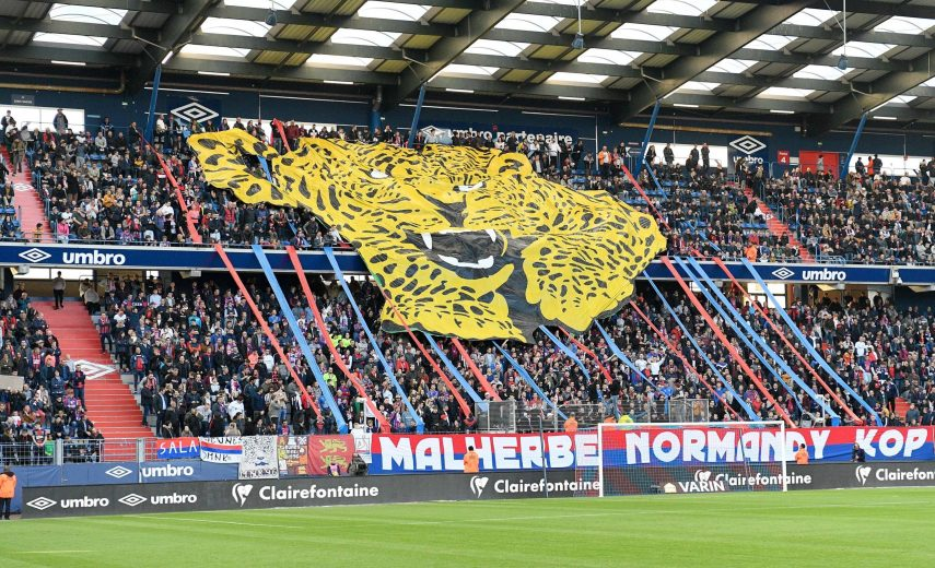 tifo MNK supporters