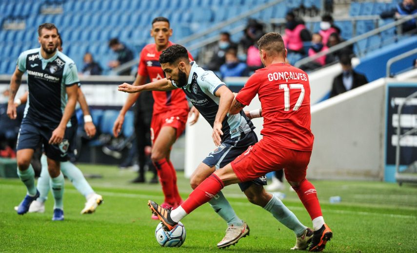 Nabil ALIOUI of Le Havre and Anthony GONCALVES of Caen during the Ligue 2 BKT match between Le Havre and Caen on November 21, 2020 at Stadium Oceane, in Le Havre, France. (Photo by Johnny Fidelin/Icon Sport) - Stade Oceane - Le Havre (France)